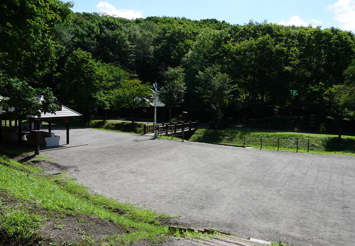 千歳市泉沢自然の森キャンプ場下段テントサイト