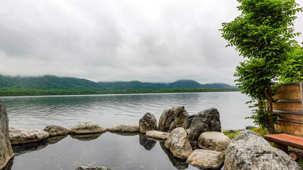 コタン温泉露天風呂 屈斜路湖の風景