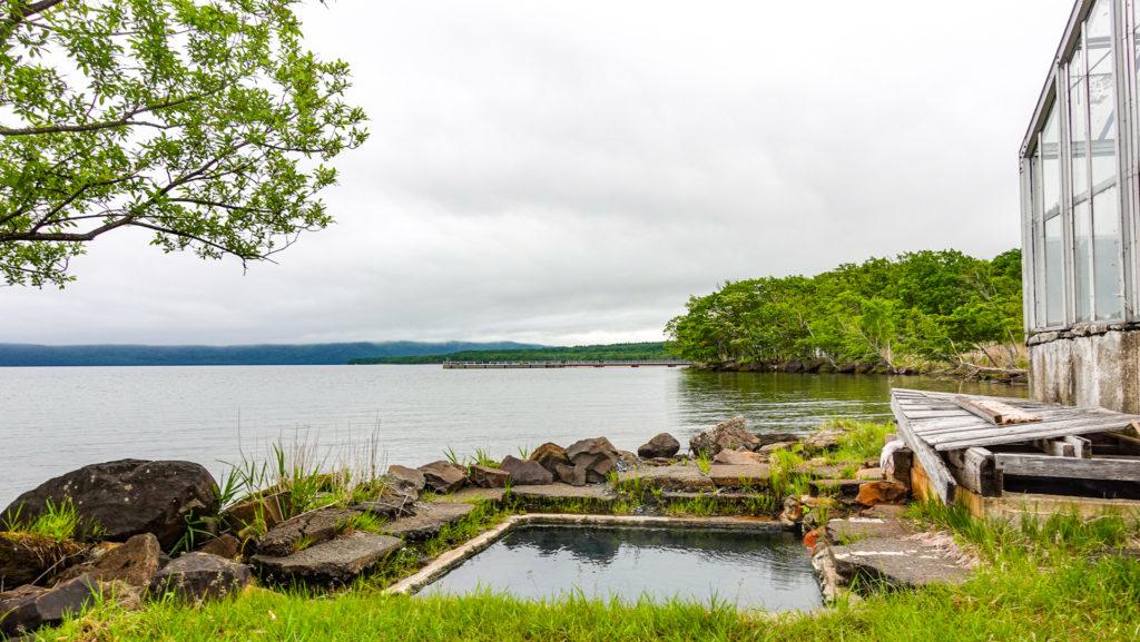 屈斜路湖 赤湯の風景
