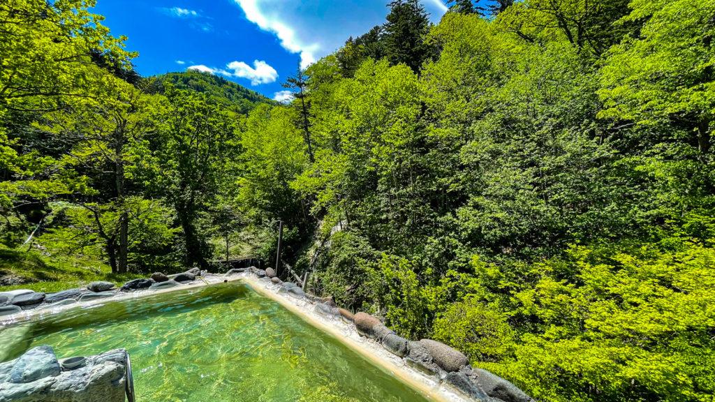 幌加温泉 鹿の谷 露天風呂 景色