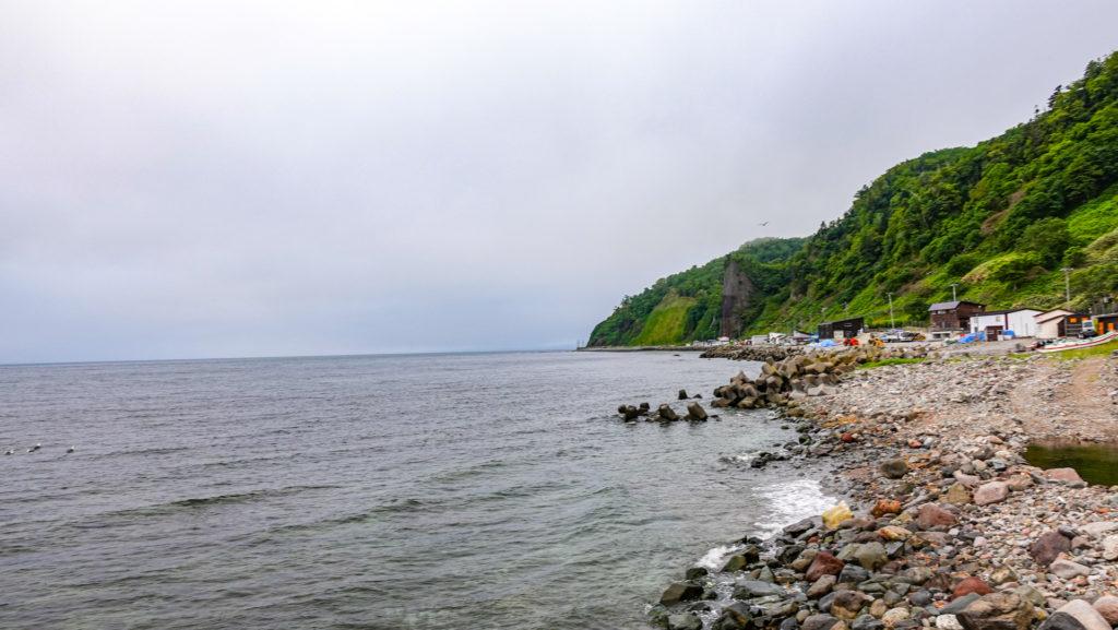 知床半島 羅臼町 瀬石温泉 海岸線