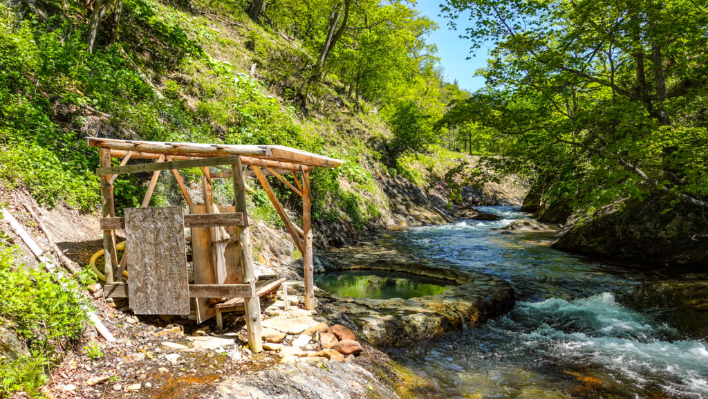 鹿の湯 小屋