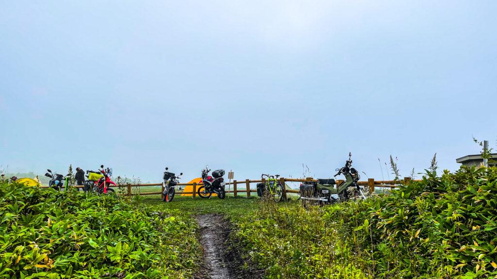 開陽台 ウシ空のキャンプ場 2輪車専用駐車場